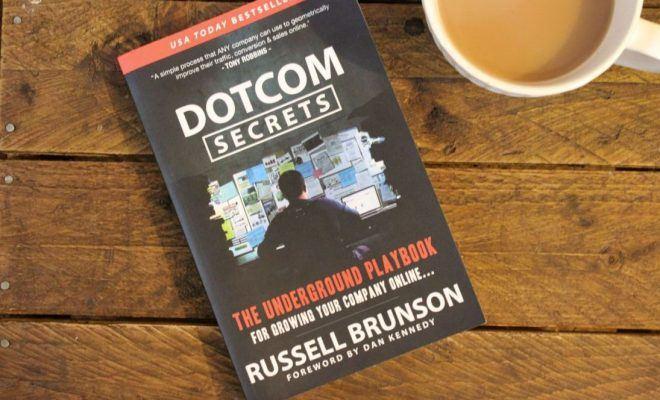 DotCom Secrets - Les clés pour la croissance de votre entreprise en ligne.jpg